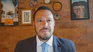 O infectologista Julio Croda falou sobre a parceria entre a Fiocruz e Oxford para a produção da vacina contra Covid-19 (27.jun.2020) Foto: CNN Brasil